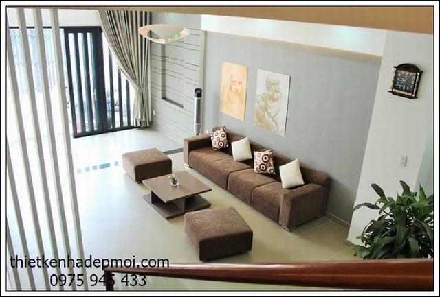 goc view 3 phong khach mau thiet ke nha ong 2 tang 5x18 co san thuong