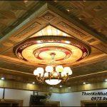 Mẫu trần gỗ phòng khách đẹp